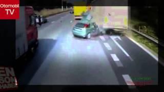 Otobanda makas atan araç paramparça oldu İZLE | Otomobil TV