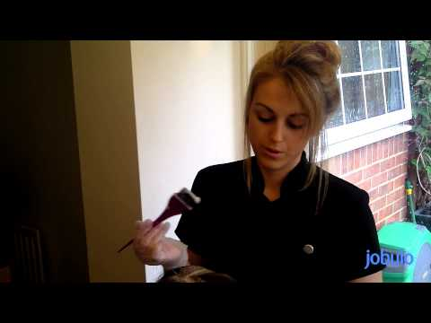 How to Find a Hairdressing Job