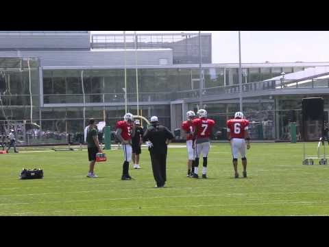 new-york-jets-draft-2014-qbs-mark-sanchez-geno-smith