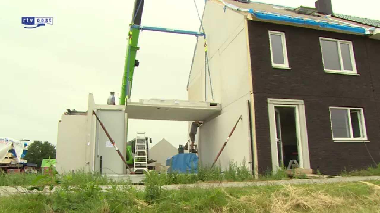 Bouwbedrijf bouwt huizen in amper een dag tijd youtube for Bouwbedrijf huizen