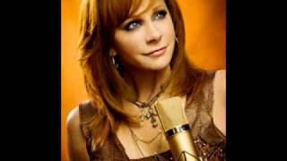 Watch Reba McEntire Love Will Find Its Way To You video
