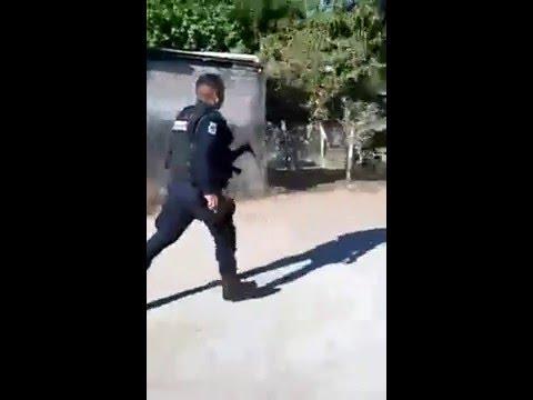 policías de Escuinapa huyen tras toparse con gente armada en Cristo Rey