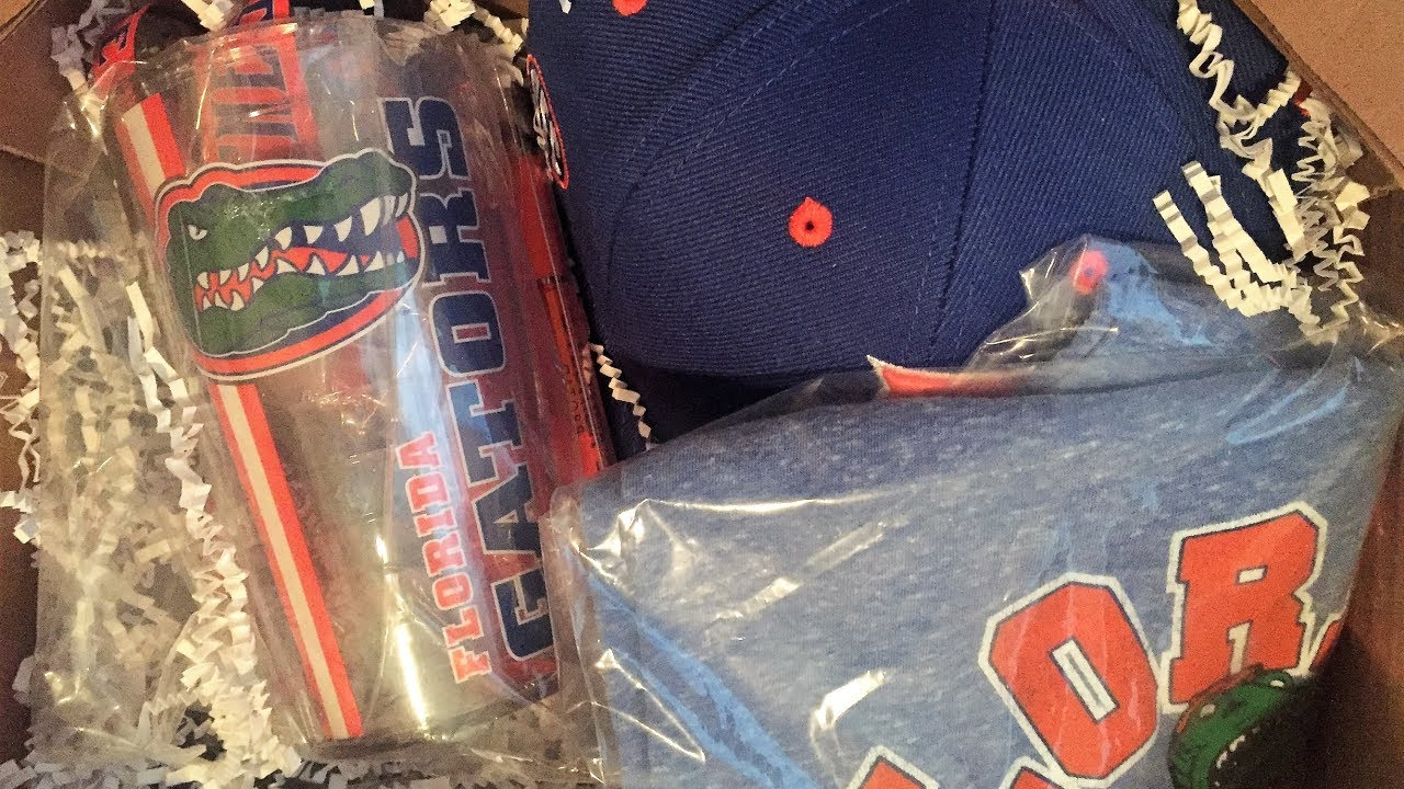 Unboxing a Florida Gators FANCHEST - YouTube 27acebc21