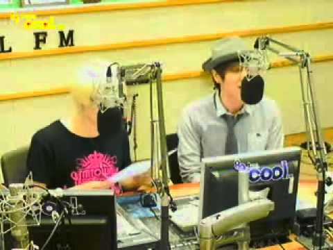 "110905 KTR EunTeuk sing ""거리에서"""