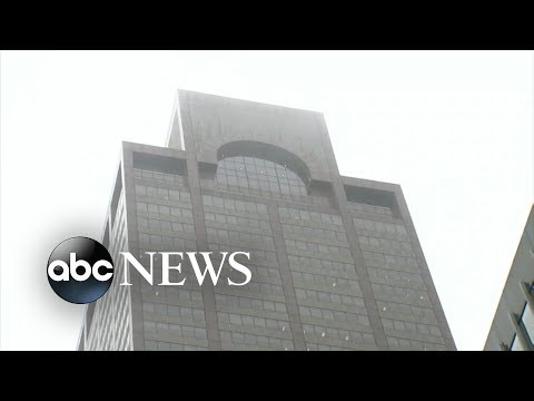 Helicopter crashes onto roof of NYC building, pilot killed [FULL SPECIAL REPORT] l ABC News