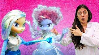 Казковий Патруль - Снєжка заморозила Оленку! – Відео з ляльками.