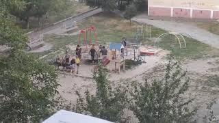 Вандализм на Восточном: дети ломают детскую площадку