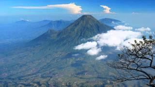 tempat wisata unik dan menarik di indonesia