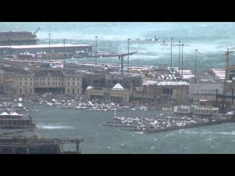 Bora a Trieste 200 all'ora