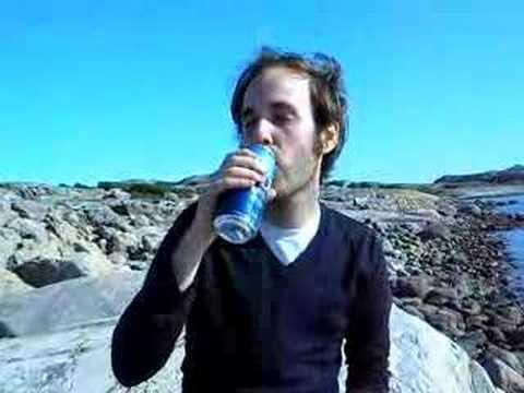 kevin pedersen drinks a pripps blå