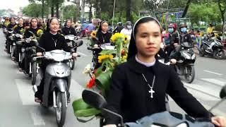 Tuyệt Đẹp Đoàn Rước Của Các Sơ Dòng Mến Thánh Giá Xuân Lộc Cung Nghinh Đức Mẹ Fatima Thánh Du