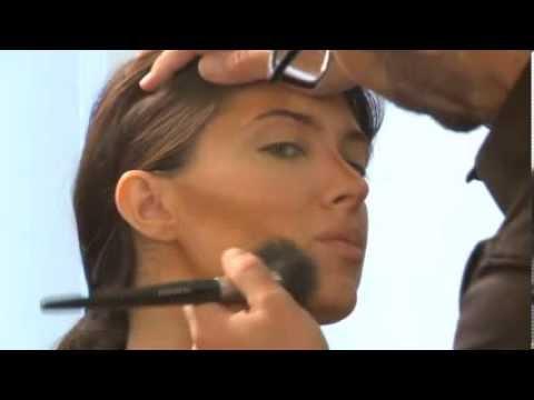 Contouring with Christina Aguilera's Makeup Artist Scott Barnes