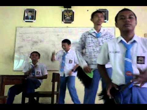 Bondan Prakoso & Fade 2 Black - Xpresikan Version SMKN 3 Jombang
