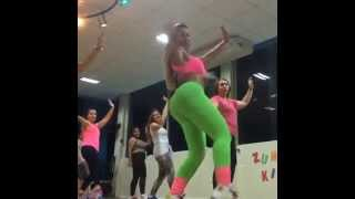 dançando bumbum sensual sexy girls dancing shiny lycra spandex leggings suplex