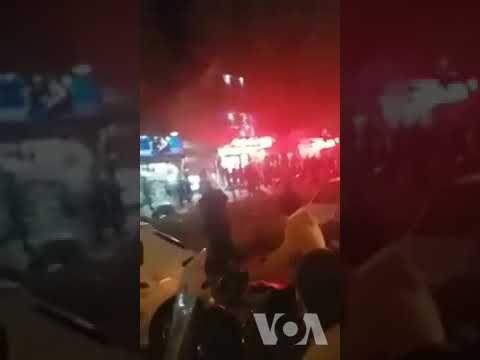 فیلمی از تیراندازی ماموران به تظاهرکنندگان در تاکستان قزوین