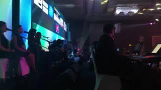 Download اما براوة- شيرين عبدالوهاب- حفلة الكويت Mp3 and Videos