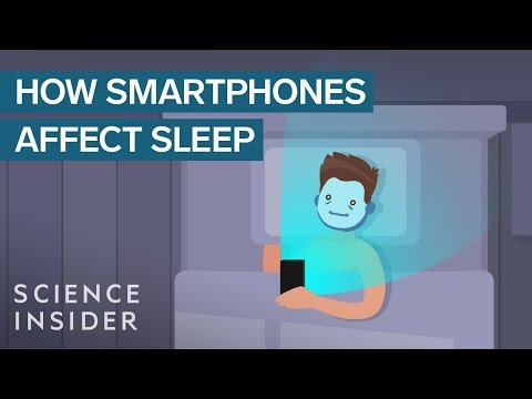 This Is What Happens in Your Brain When You Use Smartphone Before Bed