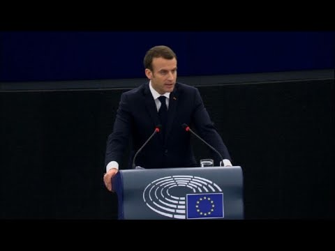 """Macron propose """"un programme européen"""" pour les réfugiés"""
