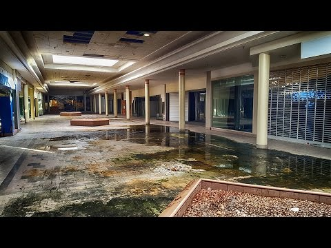 Dead Declining Mall: JCPenney Stands Alone - Failing Retail (Industry) Dead Malls