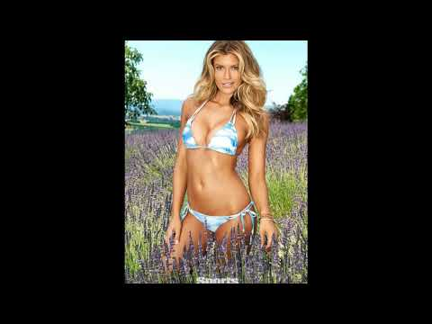 Samantha Hoopes Bikini Pics