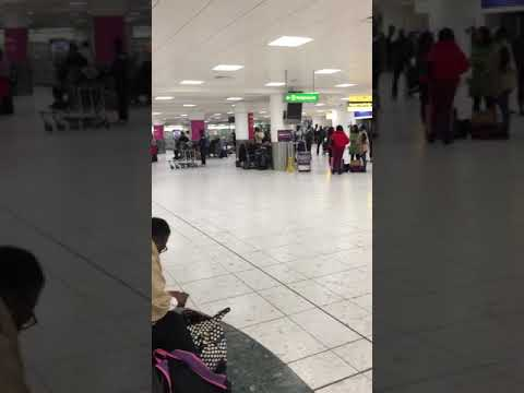 Medview airline fault on plane In London- 22/12/17. No airline staff available