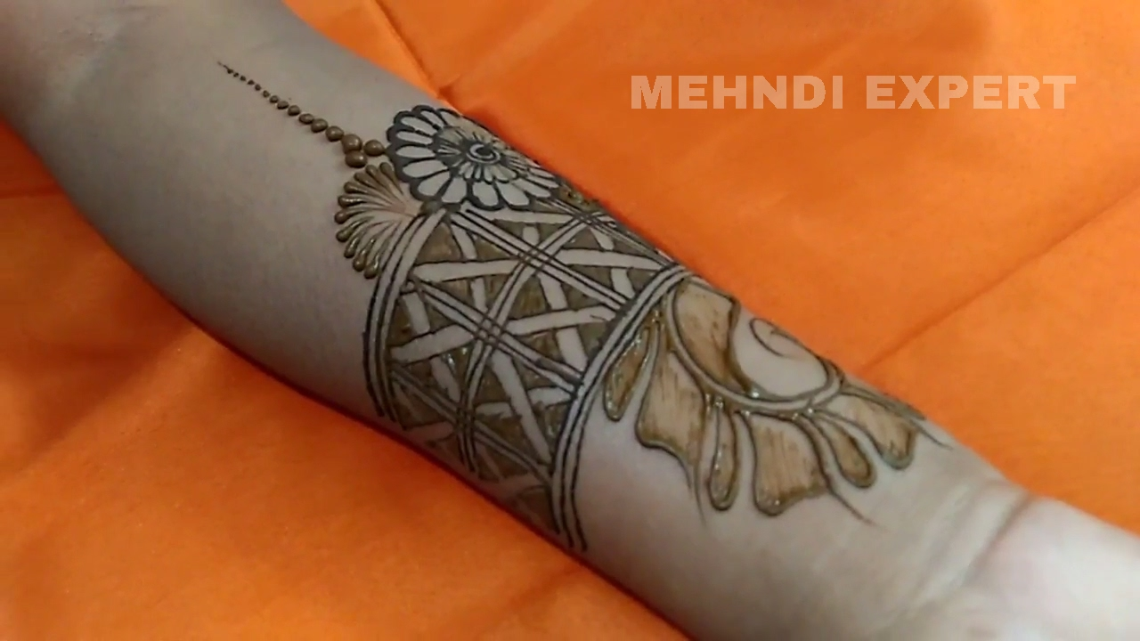 Beautiful Belt Style Mehndi Or Henna Design U2605 Step By Step Tutorial - YouTube