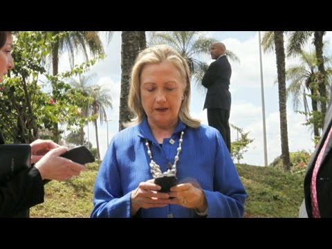 Email controversy still following Hillary Clinton