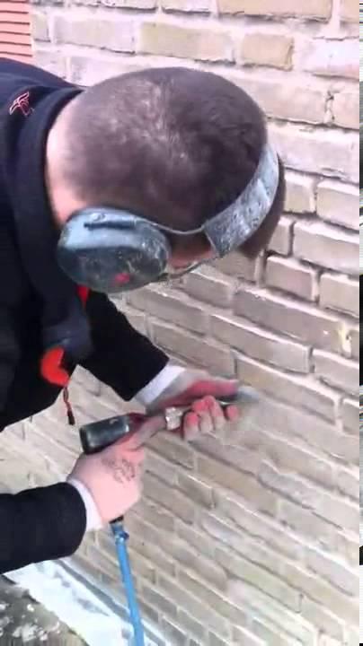 Voegwerk Renovatie oude voegen verwijderen - YouTube