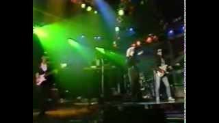 Kim Wilde - Schoolgirl You Keep Me Hanging On - Peter's Pop Show 1986