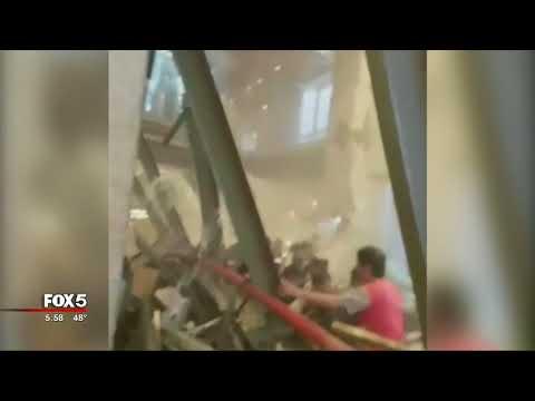 Floor collapses at Jakarta Stock Exchange