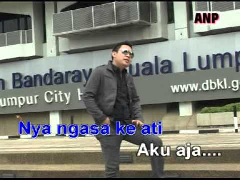Janji Tua Nyadi Ampa - Rickie Andrewson