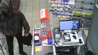 Ограбление магазина в Омске (03.04.2016)