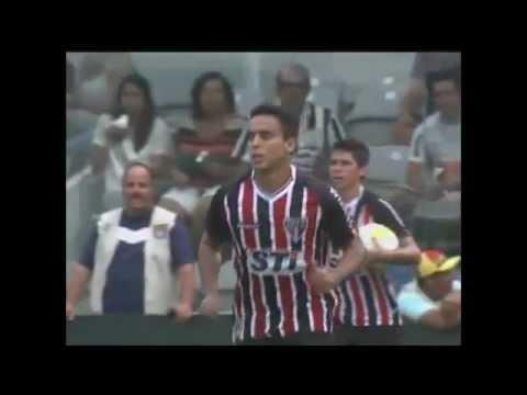 Golaço  de Jadson - Santos 3 x 1 São Paulo - Camp. Paulista 2013.
