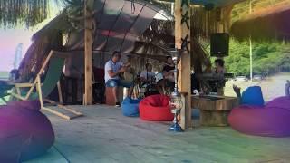 Живая музыка в кафе на пляже в Батуми (часть 1)