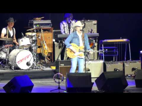 Dwight Yoakam - Ain't That Lonely Yet (C2C 2016, London)