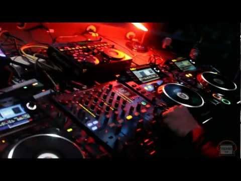 Techno TV 6 anos: MATEUS B performance set @Mainframe - Vibe Club  - Brazil