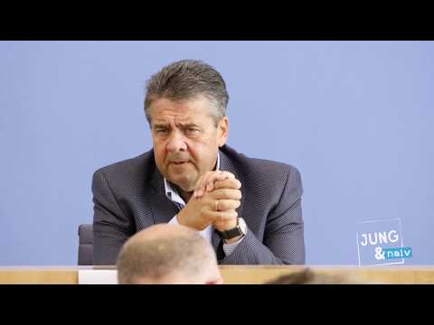 Außenminister Sigmar Gabriel (SPD) stellt sich Bürgerfragen - Tag der Offenen BPK-Tür 2017
