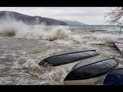 Cyclone with huge destructive waves hit Ohrid / Силно невреме во Охрид 17.03.2018