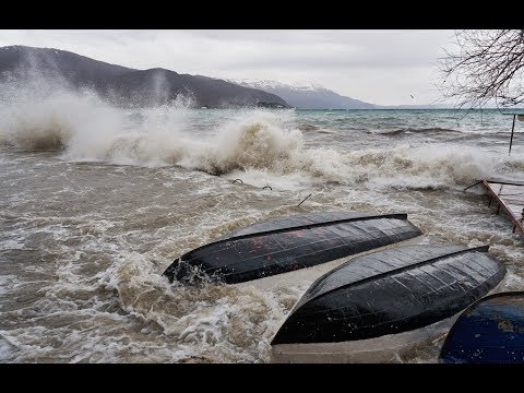 Cyclone with huge waves hit Ohrid / Силно невреме во Охрид 17.03.2018