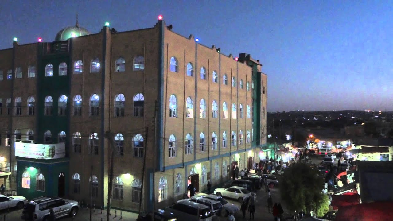 Try Somalia >> Street view and Ali Matan Mosque in Hargeisa Somaliland - YouTube