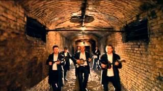 Смотреть клип Antonija Šola & Gazde - Milijun Poljubaca