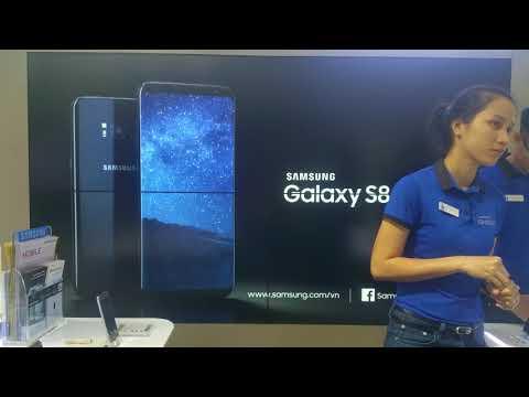 Quảng cáo điện thoại Samsung Galaxy cực hay trên Bitexco Financial Tower