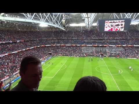 2017 UEFA Europa League Final: Pre-match atmosphere - Glory Glory Man United