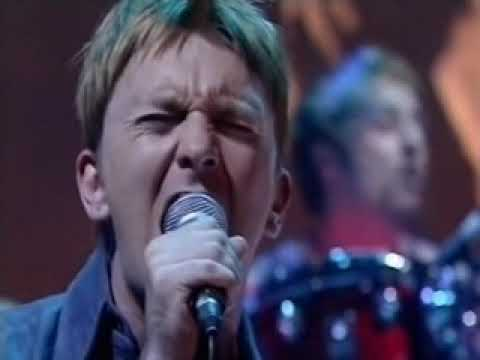 mansun-i-can-only-disappoint-u-on-later-with-jools-holland-2000-paul-draper-official