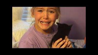 ילדה פוגשת את החתול שלה בפעם הראשונה, ופורצת בבכי.. (מאוד מרגש)