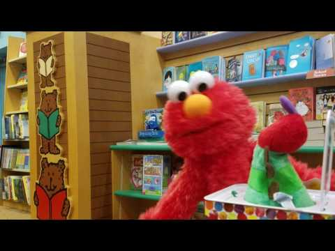 ELMO IN THE BOOKSTORE