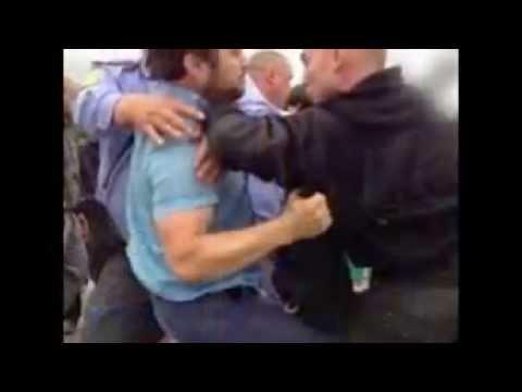 Избившие полицейского на