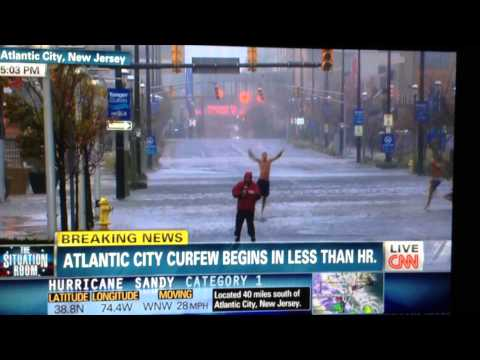 Hurricane Sandy - Hilarious CNN coverage - Dancing in the Streets