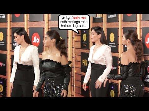 Kareena Kapoor Khan IGN0RES Alia Bhatt Wen askd to ZABARDASTI POSE Togther @JioMami Fest 2019 Mp3