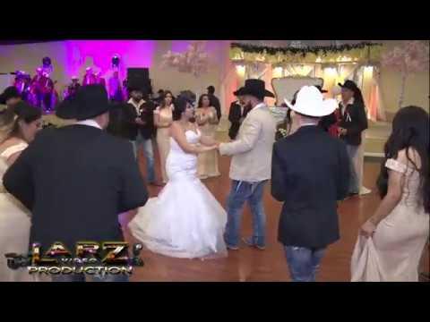 La Raspa con Los Chambelanes y Damas Boda de Omar Y Maria Houston Texas LaRZivdeo HD